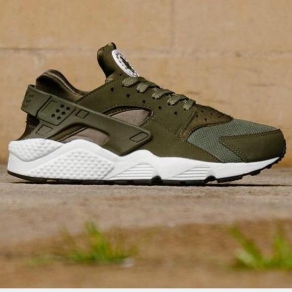 wholesale dealer a0f64 d1b87 Men s Nike Air Huarache sneakers 👟 size 11